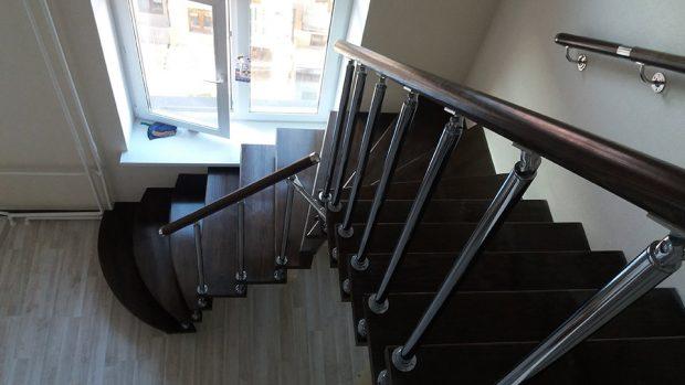 Лестница на второй этаж в Могилёве