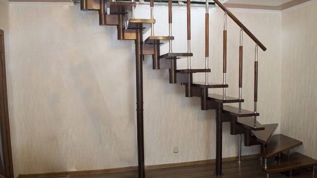 Маршевая лестница с забежными ступенями