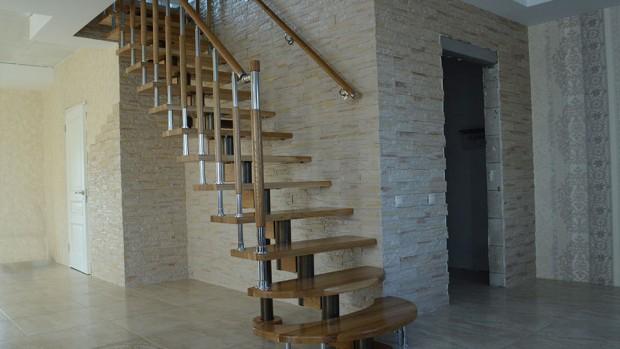 Лестница с пригласительными ступенями