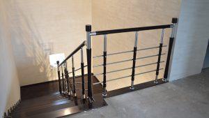 Вид лестницы со второго этажа